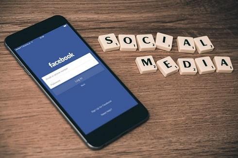 Réseaux sociaux et réseaux physiques : deux approches complémentaires