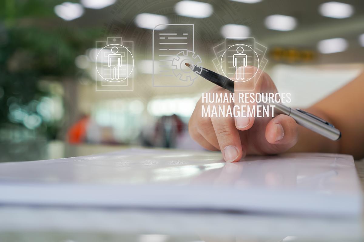 La transformation digitale de l'entreprise commence par une dématérialisation des services internes, des procédures et des données, qui va permettre aux collaborateurs de travailler de manière performante. En effet, les salariés voient leur travail transf