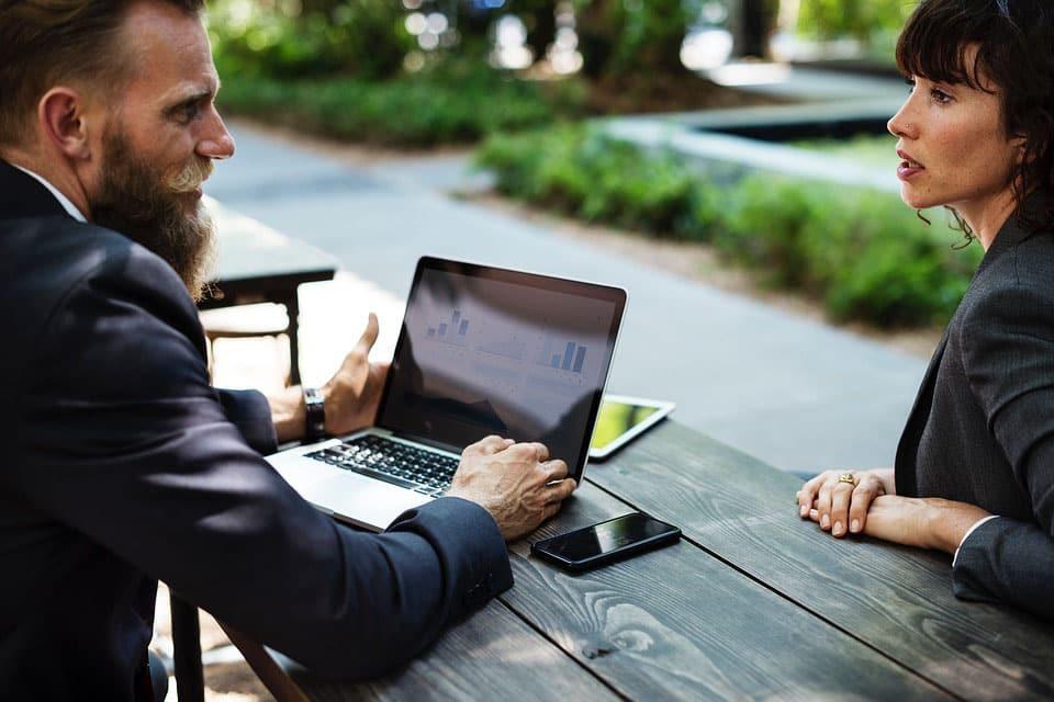 Les couples au travail : pour ou contre ?
