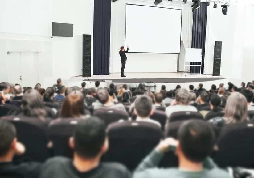 Développer ses qualités d'orateur
