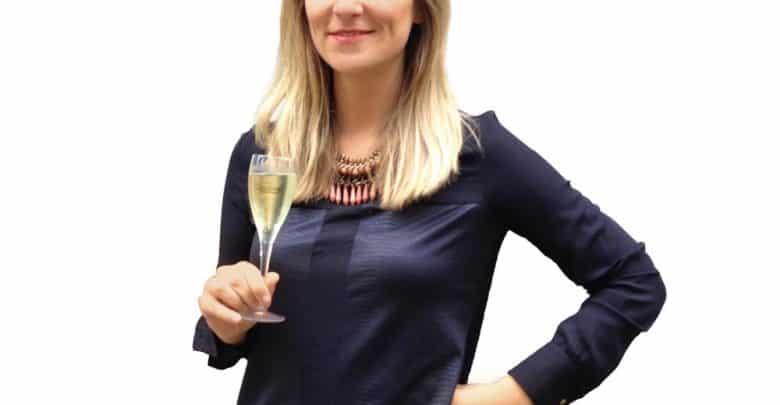 L'entrepreneure qui sabre le champagne