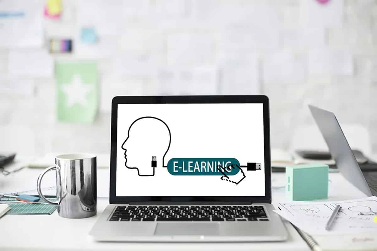 Alors que le confinement et le chômage partiel sont au rendez-vous, le e-learning se développe à grande vitesse. Et pour cause : avec du temps disponible et l'incapacité de bouger de chez soi, il peut apparaître comme évident qu'il représente une solution