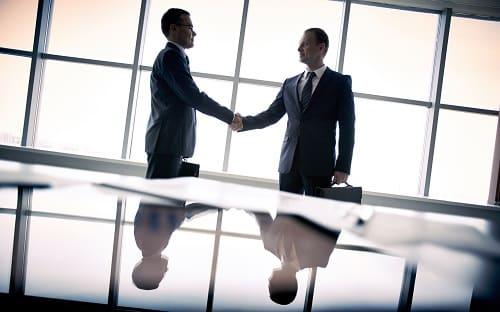 Trouver les mots et les actions performantes lors des négociations
