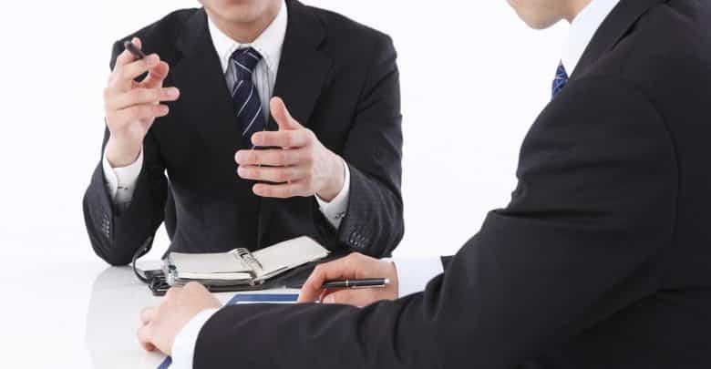 Négociation commerciale : comment savoir que l'autre bluffe ?