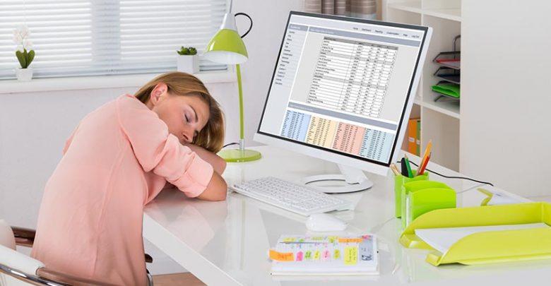 Sieste au bureau : les entreprises sont-elles pour ou contre ?