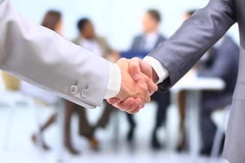Entreprendre avec un proche : 5 conseils avant de se lancer