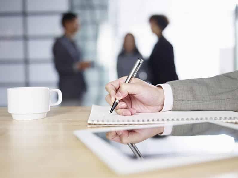 L'écrit : le passeport de la relation clients et investisseurs