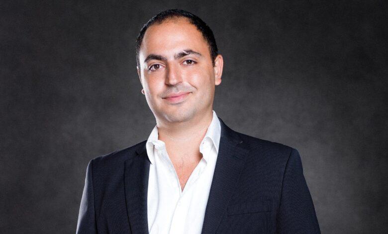Il surfe sur les opportunités du numérique ! interview d'Yves Attias