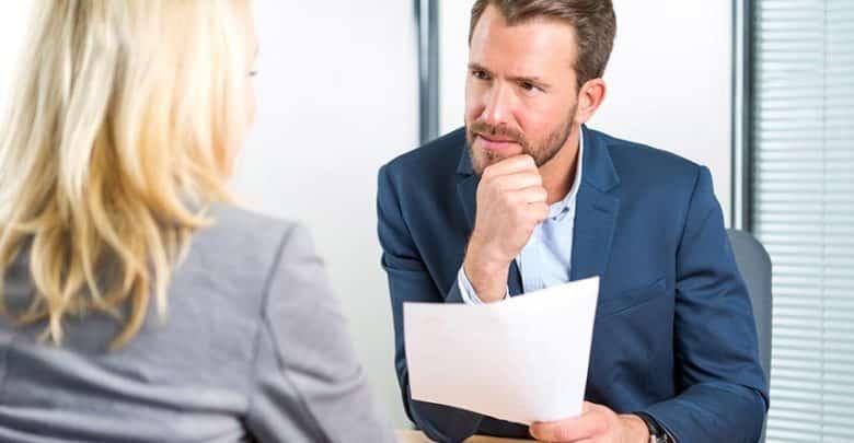 Comment savoir à qui vous avez affaire en entretien ?