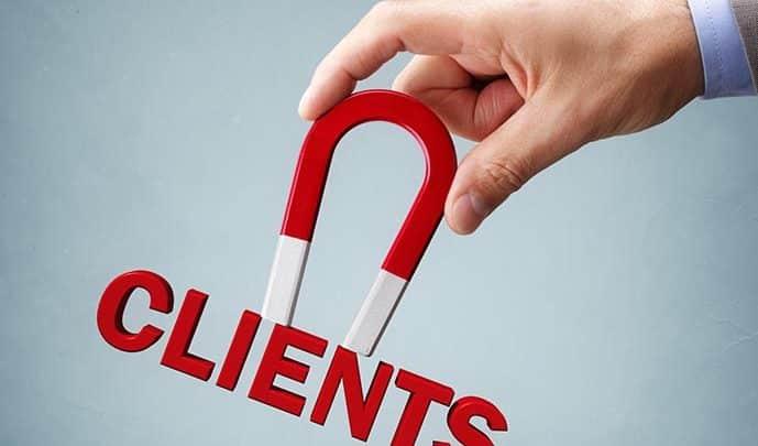 Quelles stratégies de vente pour fidéliser et attirer les clients ?