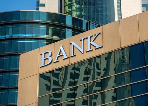 Banque traditionnelle ou enligne