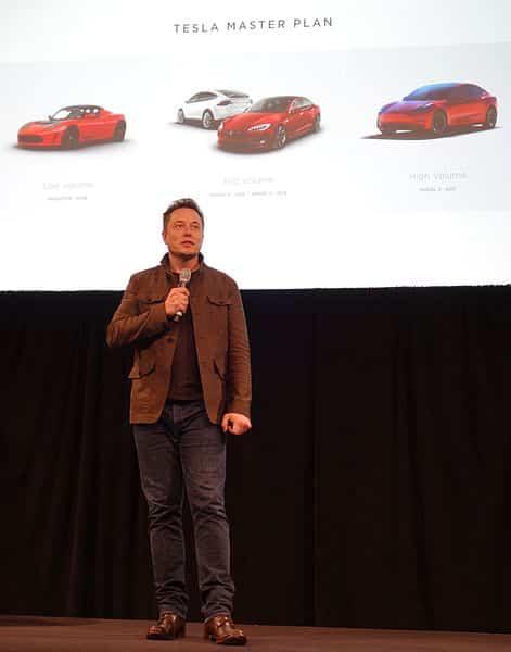 Tesla et Elon Musk : l'admiration malgré les difficultés