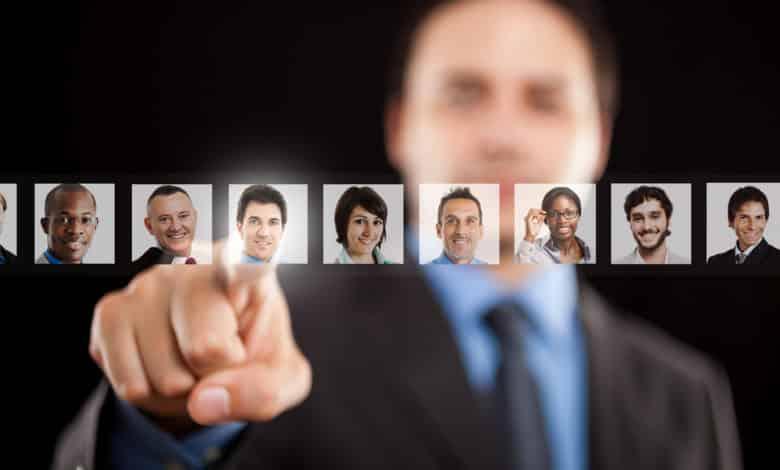 Recrutement : quatre étapes clés pour choisir entre deux candidats