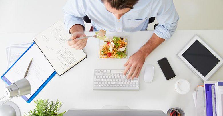 Ces conseils pour bien manger au travail