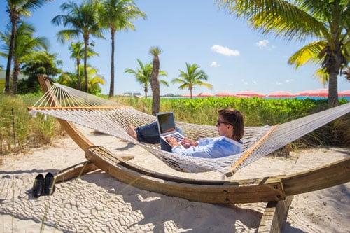 Comment rester connecté pendant les vacances ?