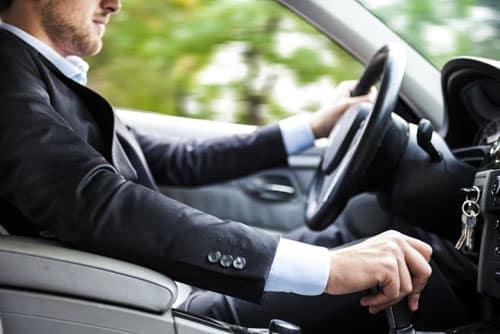 Entre leasing auto et location longue durée pour les professionnels