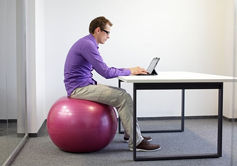 Rester assis au bureau