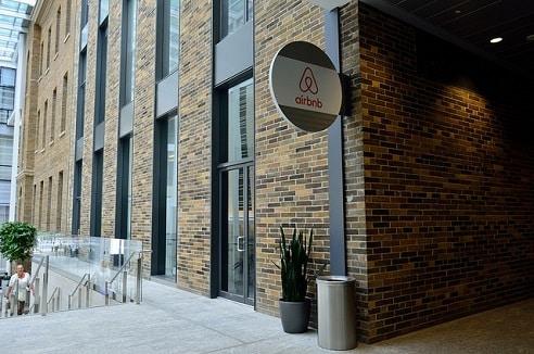 Cascade d'amendes pour les loueurs de meublés utilisant Airbnb