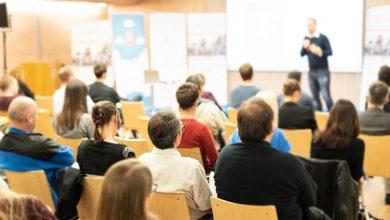 Photo of Développer sa notoriété par les conférences en présentiel ou en webinaire ?
