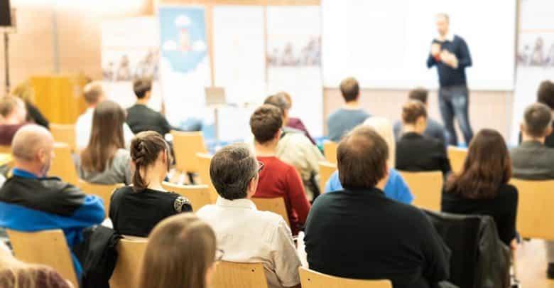 Développer sa notoriété par les conférences ?